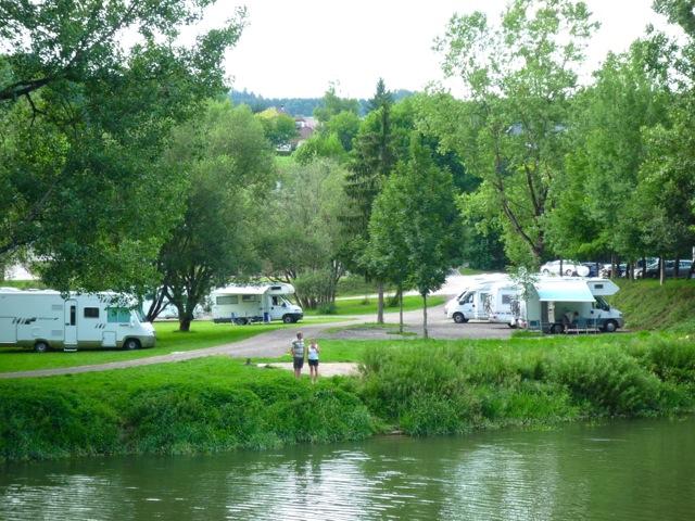 Aire camping-car à Villers-le-Lac (25130) - Photo 1